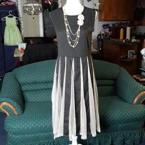 Black and tan mesh pleated womens dress